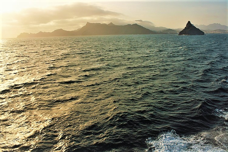 traghetto di linea mindelo ribeira grande - ammacucena amma cucena
